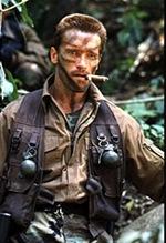 Arnold Schwarzenegger (em Predador)