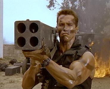 Anold Schwarzenegger (Comando para Matar)